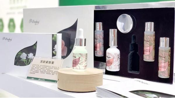 众多化妆品加工厂中,为什么有那么多顾客愿意选择远大美业?